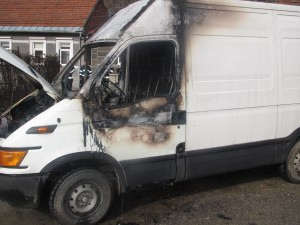 Autoturisme incendiate suspect in fata garii din Oravita (5)